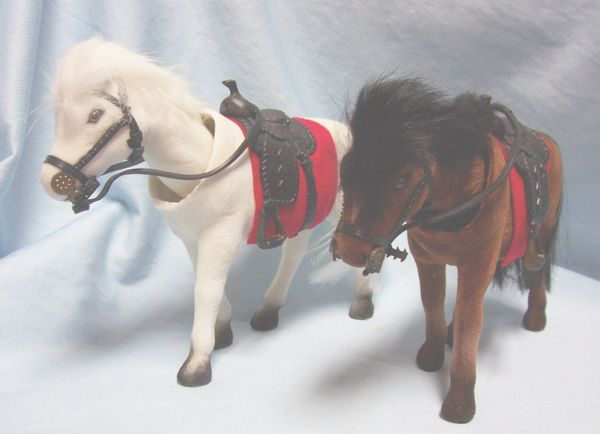 NOVELTIES: Set of (3) Bobbing Head Horses in Dfferent Colors for Gifts or Party Favors