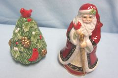 FITZ & FLOYD SHAKERS: Cute Fitz & Floyd's Winter Claus Salt and Pepper Shakers