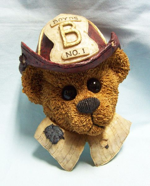 BOYD'S BEARSTONE BEAR WALL PLAQUE: Collectible Fireman Boyd's Bear Wall Plaque - THE HERO
