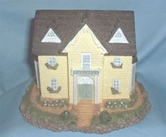 COLLECTIBLES: 1995 Olde England's Classic Collectible Cottage - Cambridge House