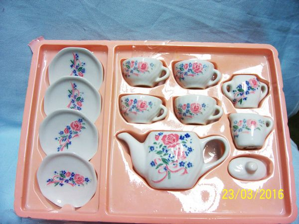 MINIATURE TEASET: 12 Piece Tea Set Miniature Teaset with PInk Roses by Yuri Craft China