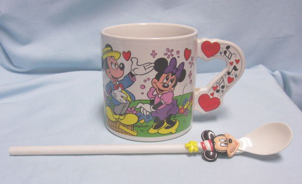 COLLECTIBLE CUPS/MUGS: Collectible Mickey, Minnie, Pluto Disney Ceramic Mug by Applause