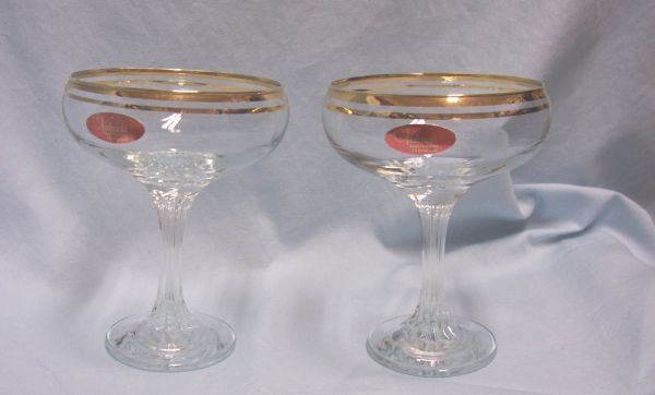 STEMWARE: Elegant Pair Stemware Valencia Champagne Glasses with 24K Gold Bands