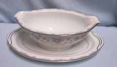 GRAVY BOAT: Vintage RC Japan Gravy Boat/Gravy Bowl w/Attached Underplate Noritake 588 PInk Rose