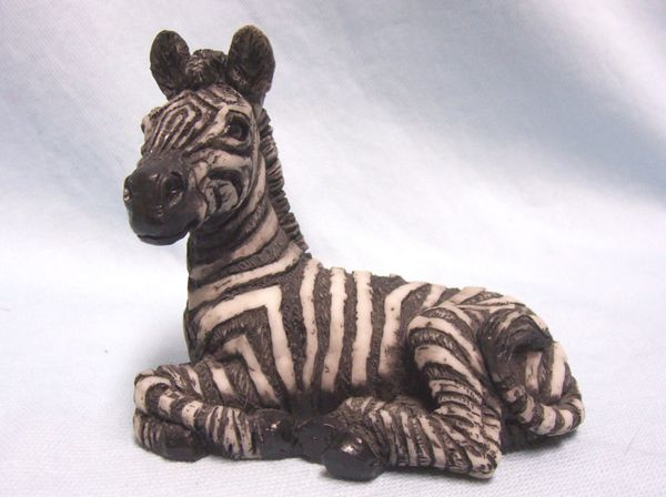 ZEBRA FIGURINE: Vintage Collectible Zebra Wild Life Figurine with Great Detail
