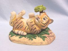 BENGAL TIGER FIGURINE: Collectible Bengal Tiger Wild Life Figurine/Sculpture by Hamilton Collection