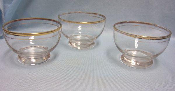 DESSERT/BERRY BOWLS; Set (3) Vintage Clear Glass Bowls with Gold Trim