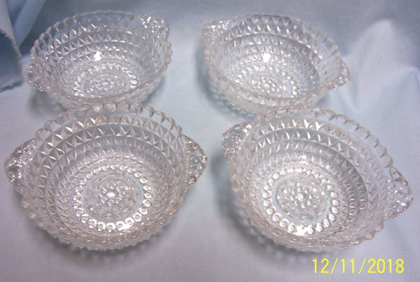 BERRY BOWLS: Vintage Set of (3) EAPG Berry Bowls/Dessert Bowls with Double Diamond Pattern