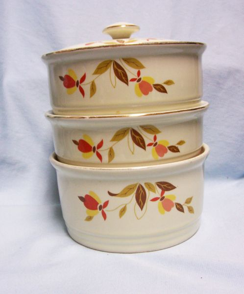 STACKABLE BOWLS: (4) Piece Set - Autumn Leaf (3) Bowls plush Interchangeable lid by Halls