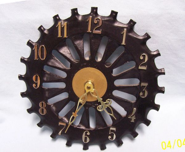 WALL CLOCK: Collectible Black Cast Iron Battery Quartz Wall Clock with Cog Wheel Design