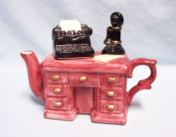 TEAPOT: Miniature Vintage Teapot Ceramic Decorative Collectible Desk with Typewriter (Lid)