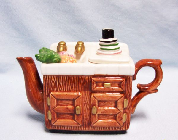 TEAPOT: Miniature Vintage Teapot Ceramic Decorative Collectible Kitchen Sink Teapot w/Stack of Dishes (Lid)