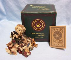 Boyds Bearstone Bear Collection: Boyds Bears & Friends KRINGLE and COMPANY 1996