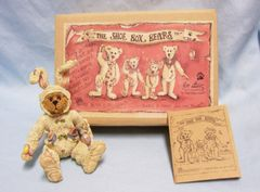 "BOYDS BEAR: ""The Shoe Box Bears"" Momma Grizberg Egg Decorator Moveable Arms/Legs"