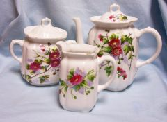 TEA SET Vintage Collectible 5 Pc Set Pitcher, Creamer, Sugar Bowl, Lids Red Flower Gray & Green Leaves