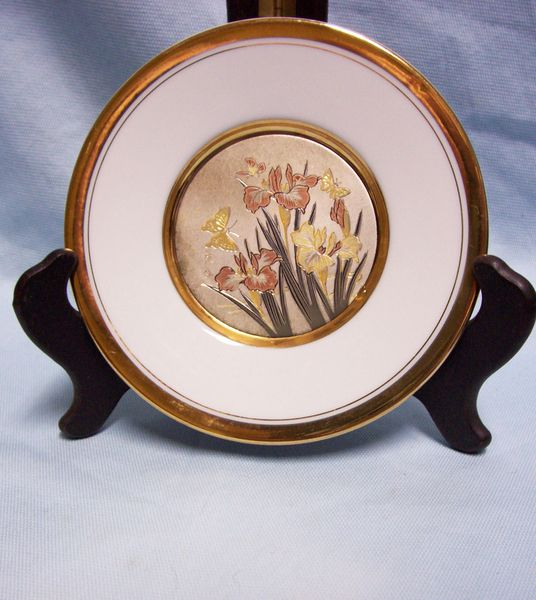 CHOKIN ART DECORATIVE PLATE Dynasty Gallery Iris with Butterflies Japan 24K Gold
