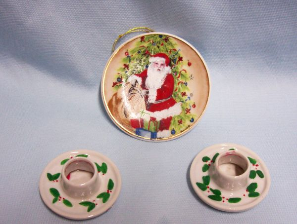 Christmas Decor Accessories: Miniature Santa's Collector Plate & Candle Holders