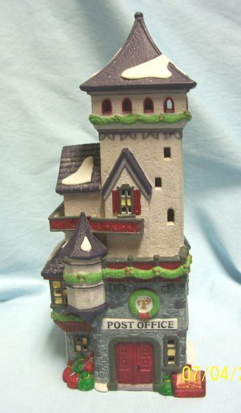 "CHRISTMAS VILLAGE BUILDING Northpole Series Post Office 10.5"" Tall Depart. 56"
