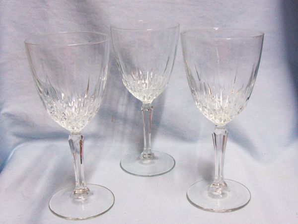 GLASSWARE: Vintage Diamant by Cristal D'Arques-Durand Wine Glass Faucet Cut Stem