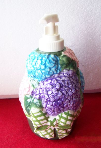 "SOAP/LOTION DISPENSER 1997 Allure Hand Pump Ceramic Flowers in Basket 6 1/2"" H"