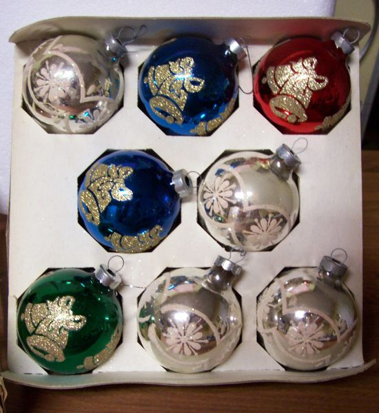 CHRISTMAS ORNAMENTS: Vintage Hand Crafted Christmas Bulbs/Balls Pyramid 1970s