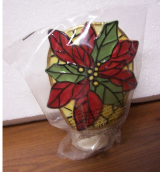 CHRISTMAS PLUG-IN LIGHT Unique Poinsettia Plug in Light Plug & Shade that Pivots