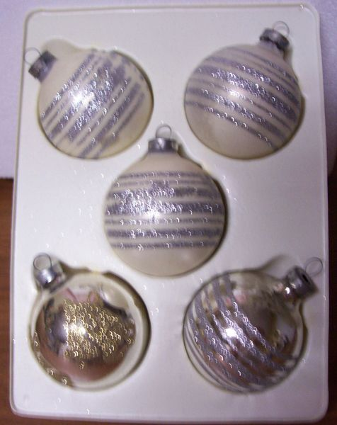 CHRISTMAS ORNAMENTS: Vintage Hand Decorated Christmas Bulbs/Balls Pyramid 1970s