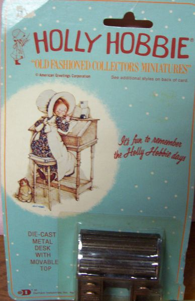 DOLLHOUSE FURNITURE Holly Hobbie Die-cast metal Desk with Movable Top 1980s