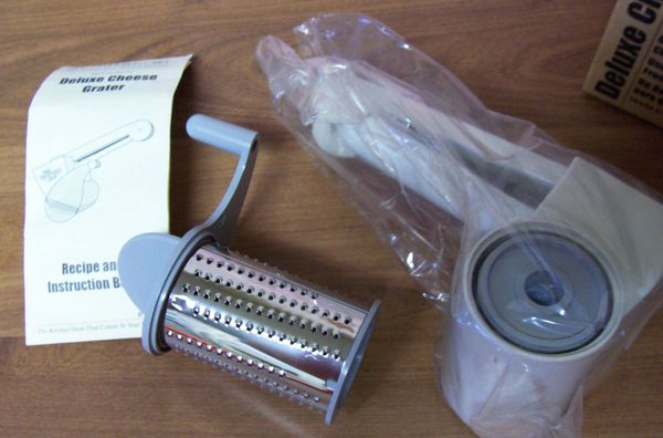 CHEESE GRATER Pampered Chef Deluxe Cheese Grater #1275 -2 Graters Fine & Coarse