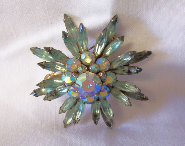 BROOCH: Vintage Gorgeous Marquise Brooch Clear Light Blue Rhinestones Gold Tone Metal