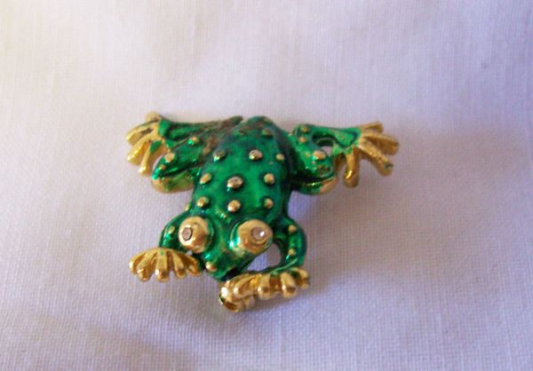 BROOCH: Vintage Stick Pin Whimsical Frog Green Painted Enamel Metal & Rhinestones