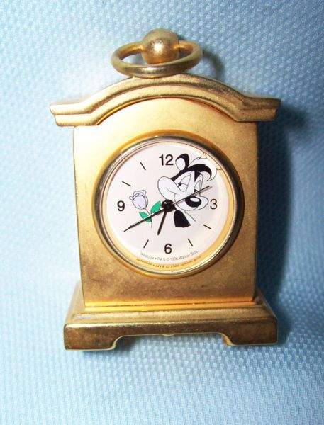 MINIATURE MANTEL CLOCK Collectible Warner Brothers Pepe Le Pew 1996 Novelty