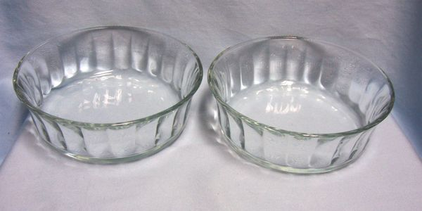QUICHE BOWLS Vintage USA Heavy Thick Clear Glass Round Fluted Sides & Panels A-2