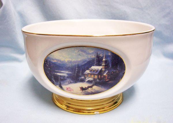 THOMAS KINKADE DECORATIVE BOWL Porcelain Bowl Gold Trim Sunday Evening Sled Ride