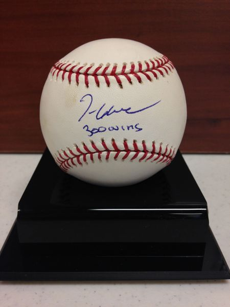 ***TOM GLAVINE*** Signed and Certified by GA (Global Authentics) Official Major League Baseball - Certification # GV704743