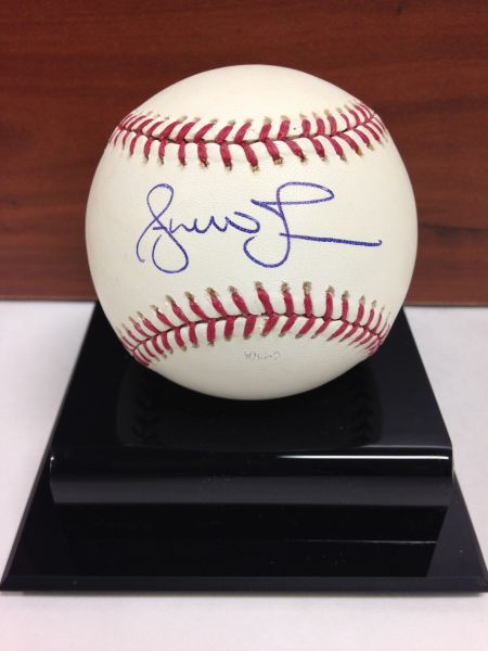 ***ANDRUW JONES*** Signed and Certified by GA (Global Authentics) Official Major League Baseball - Certification # GV649953