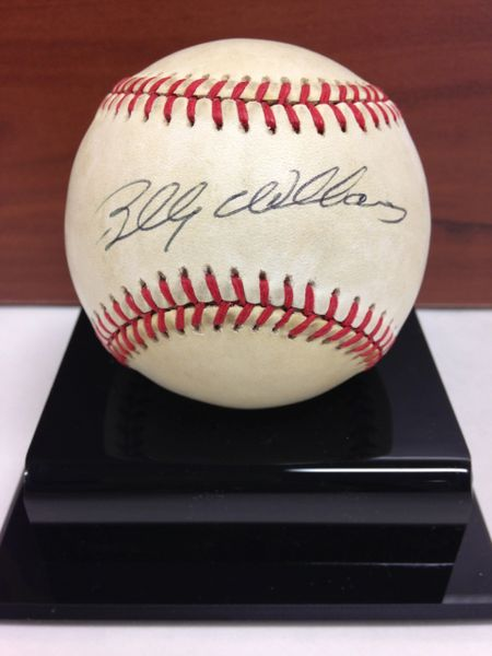 ***BILLY WILLIAMS*** Signed and Certified by GA (Global Authentics) Official National League Baseball - Certification # GV511437
