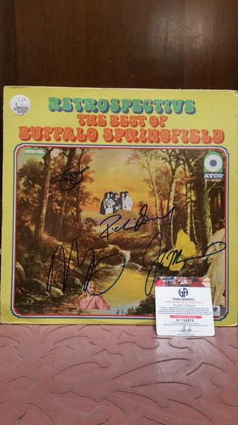Buffalo Springfield **RETROSPECTIVE, THE BEST OF** Signed & Certified LP Cover and vinyl record - GV704870 - signed by: Neil Young, Jim Messina, Richie Furay
