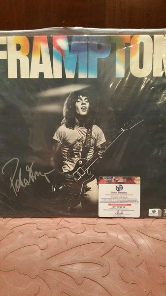 Peter Frampton **FRAMPTON** Signed & Certified LP Cover with vinyl record - GV704916
