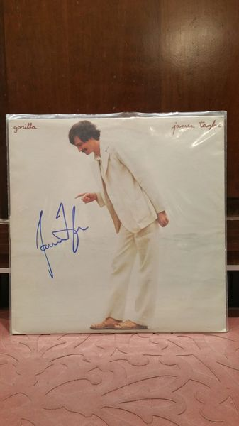 James Taylor **GORILLA** Signed & Certified LP Cover with vinyl record - GV586155