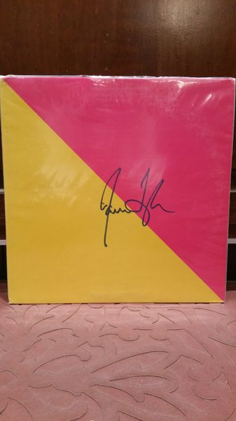 James Taylor **FLAG** Signed & Certified LP Cover with vinyl record - GV591189