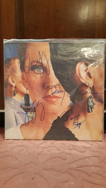 Styx **PIECES OF EIGHT** Signed & Certified LP Cover with vinyl record - GV586118 - signed by: Dennis DeYoung, James Young, Chuck Panozzo, Tommy Shaw