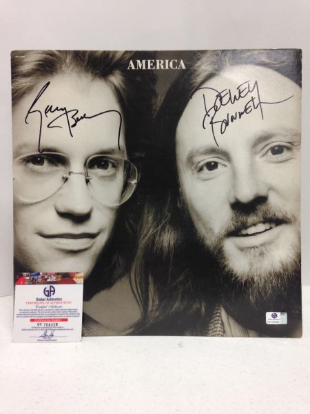 America **SILENT LETTER** Signed & Certified LP Cover with vinyl record - GV704328 - signed by: Gerry Beckley, Dewey Bunnell
