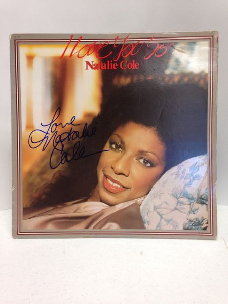 Natalie Cole **I LOVE YOU SO** Signed & Certified LP Cover with vinyl record - GV586140