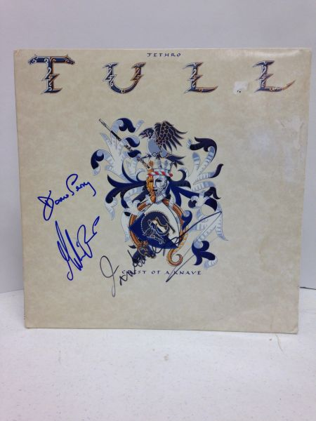 Jethro Tull **CREST OF A KNAVE** Signed & Certified LP Cover with vinyl record - GV580338 - signed by: Ian Anderson, Martin Barre, Doane Perry
