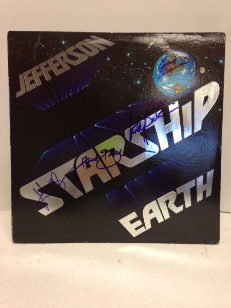 Jefferson Starship **EARTH** Signed & Certified LP Cover with vinyl record - GV528457 - signed by: Paul Kantner, Marty Balin, Grace Slick, Craig Chaquico