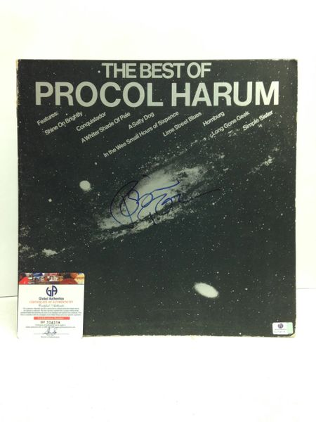 Procol Harum **THE BEST OF PROCOL HARUM** Signed & Certified LP cover with vinyl record - GV704314 - signed by: Robin Trower