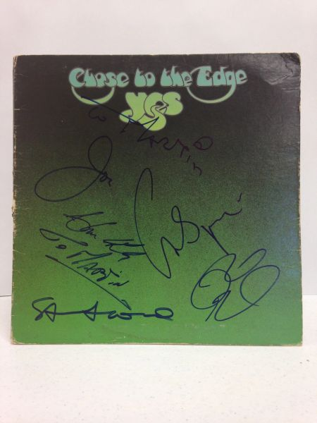 Yes **CLOSE TO THE EDGE** Signed & Certified LP Cover with vinyl record - GV528416 - signed by: Steve Howe, Jon Anderson, Chris Squire, Rick Wakeman, Alan White