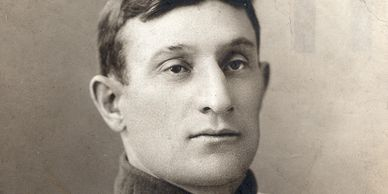 Carl Horner photo of the ICONIC T206 Honus Wagner card.