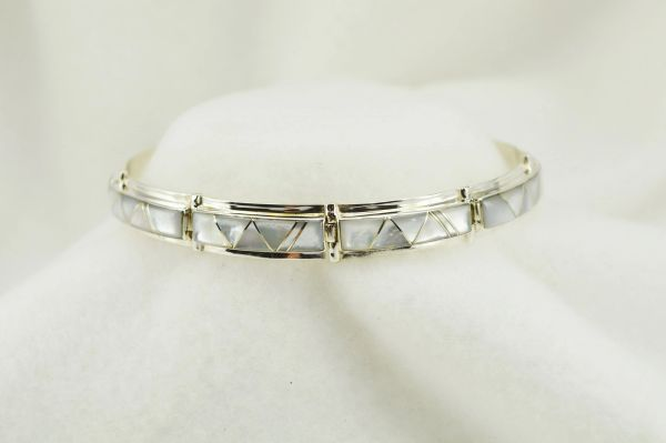 "Sterling silver mother of pearl inlay link 8"" bracelet. B111"